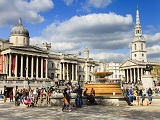 tourists-by-the-national-gallery--trafalgar-square.jpg