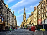 view-down-the-royal-mile-edinburgh-scotland-.jpg